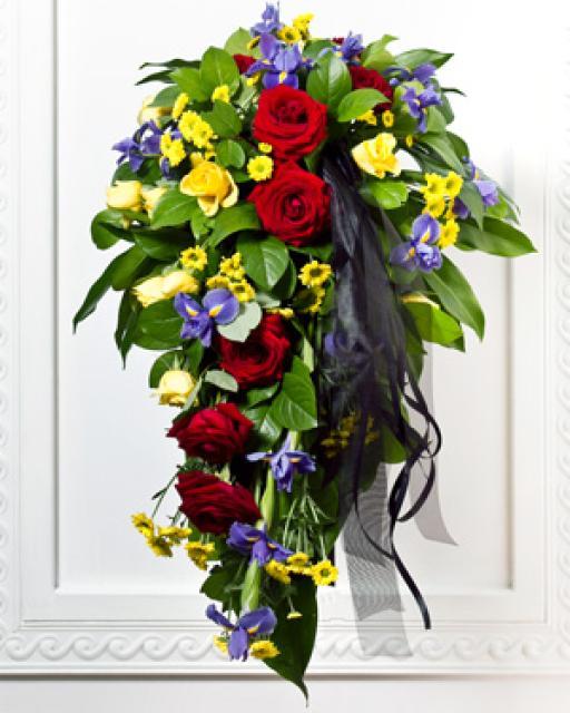 Цветы на похороны с ленточкой